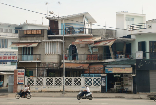 Vietnamese modernist architecture, expressive design