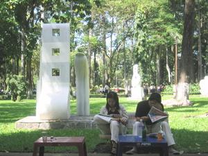 Relaxing_in_sculpture_park