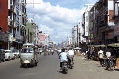 9_saigon_street