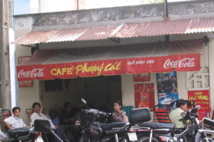 Hole_in_wall_cafe