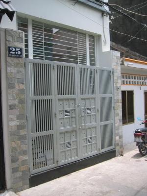 Prison_gates