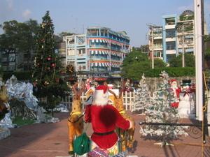 Santa_in_hcmc