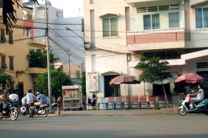 Streetside_cafe