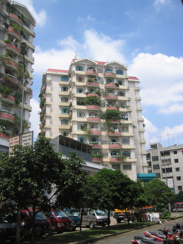 houses in ho chi minh city 15 high rise apartment building